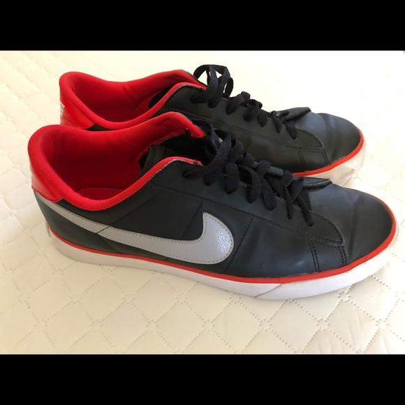 new style 22522 84138 Nike Sweet Classics Men s Shoes. M 5bfcb25c4ab6334723e319d4